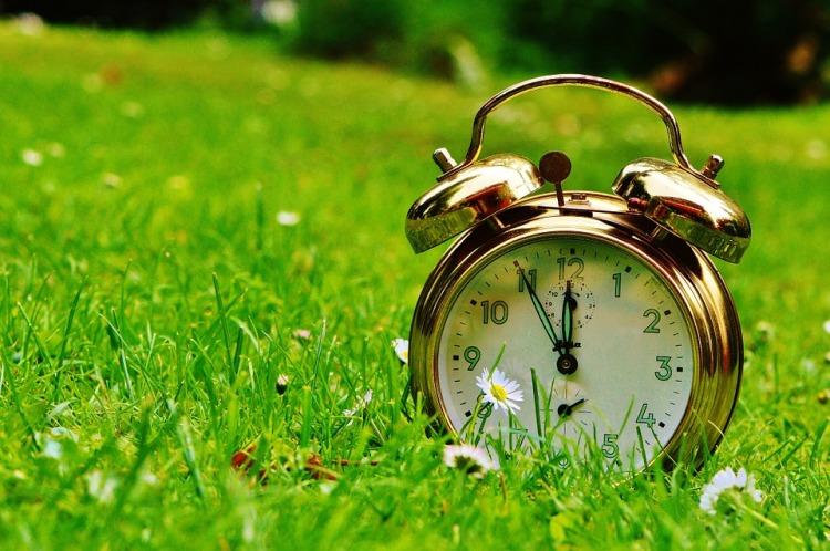 alarm clock snooze emails